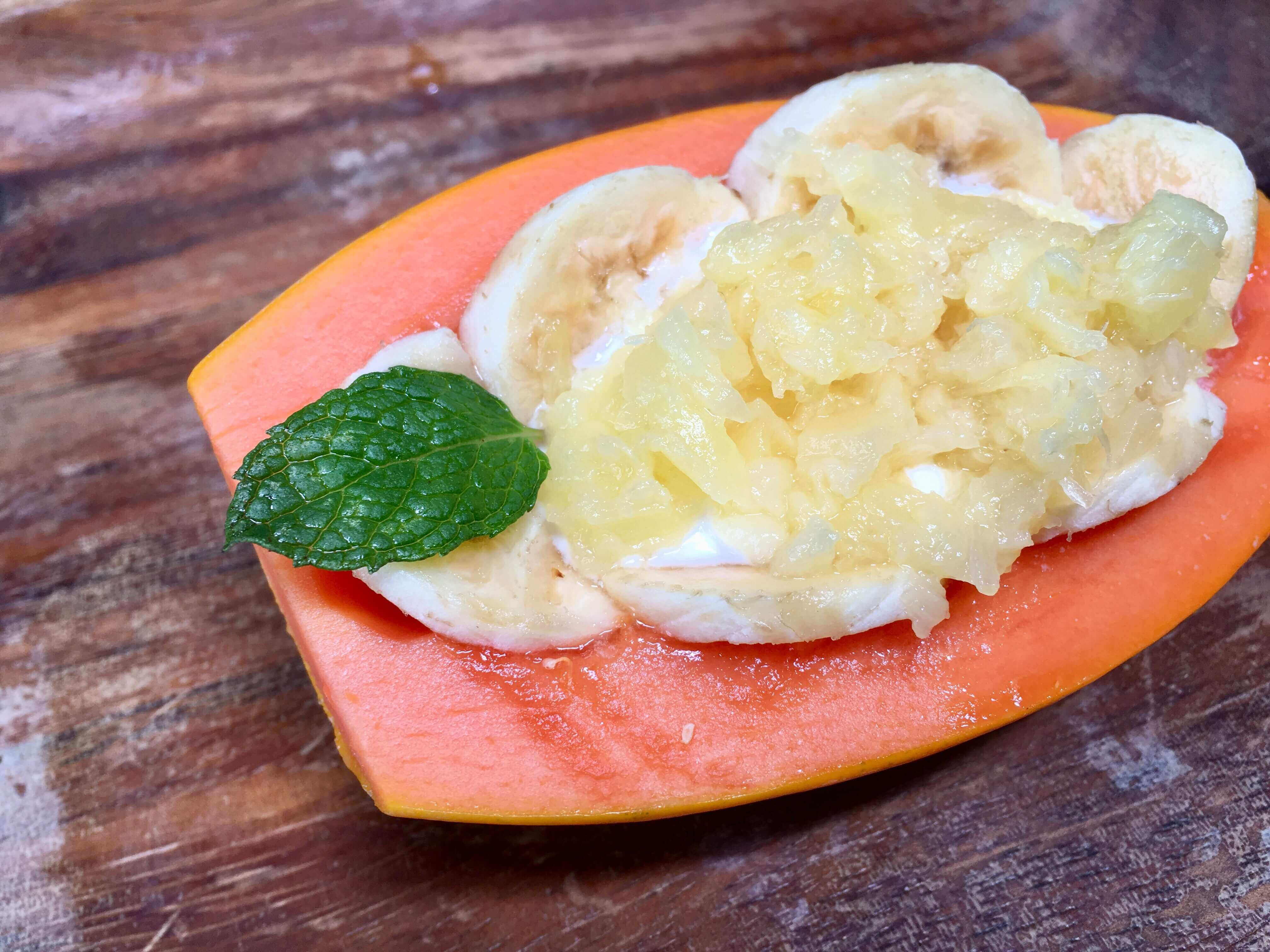 Hotels in volcano - volcano inn - complimentary breakfast - papaya bowls
