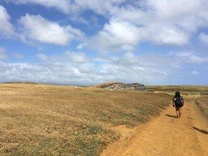 hiking to the green sand beach
