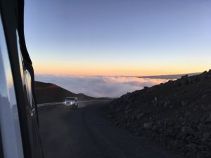 mauna kea above clouds